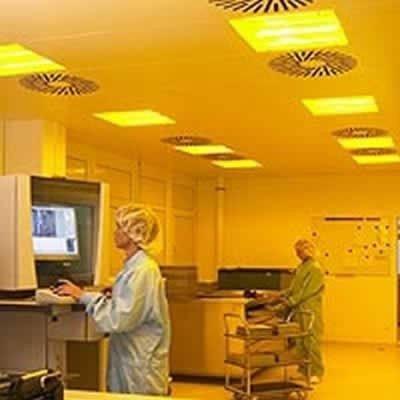 Résistant aux UV | Excellent | Rouleau grand format teinté ambré 122 cm / 152 cm